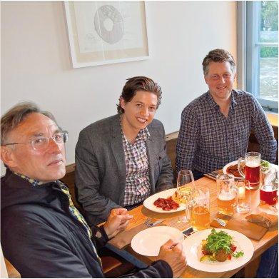 Anregende Unterhaltung beim Abendessen - immer auch eine Übungsstunde in Deutsch