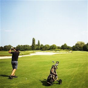 Lifestyle during the home tuition course German and golf