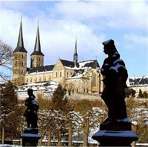 Blick zum Michelsberg in Bamberg vom Rosengarten aus